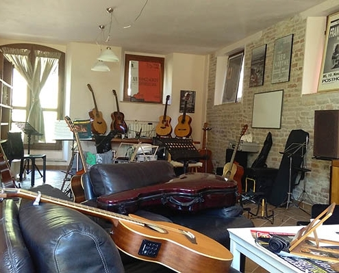 Room where the guitar courses are held with Franco Morone at the Acoustic Guitar Workshops
