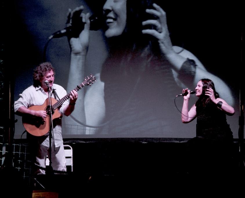 Esibizione dal vivo di Franco Morone e Raffaella Luna al festival di Kostrena in Kroazia